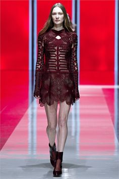 Sfilata Christopher Kane London - Collezioni Autunno Inverno 2013-14 - Vogue