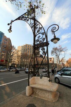 Lamp post by Antoni #Gaudi. #Barcelona http://www.bcninternet.com/blog/
