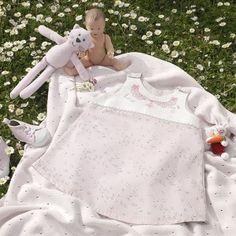 Robe chasuble 6/9 mois « Poupette » à broder au point de croix les Brodeuses Parisiennes