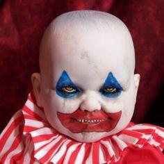 Really Freaky Dolls - Psycho Sally Halloween Circus, Scary Halloween Decorations, Halloween Doll, Creepy Halloween, Group Halloween, Halloween 2019, Halloween Ideas, Halloween Party, Creepy Carnival