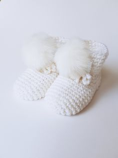 Baby socks,  baby shoes, baby shower gift, knitted booties, newborn booties, baby girl booties, hand knit booties, pom pom socks, baby girl