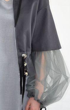 BA Mode - Heriot Watt - Cynthia Maestrello - Urban Source by cynthiamaestrel Couture Mode, Couture Fashion, Fashion Show, Hijab Fashion, Fashion Outfits, Womens Fashion, Look 2018, Fashion Details, Fashion Design