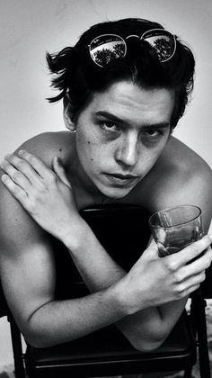 Cole M Sprouse, Cole Sprouse Jughead, Cole Sprouse Shirtless, Dylan Y Cole, Perfect Man, Cole Sprouse Aesthetic, Zack Y Cody, Riverdale Cole Sprouse, Betty And Jughead