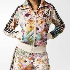 Nuevos modelos de Adidas para chica.Estampados brasileños con el clásico Adidas Originals #adidas#womanstyle #instalove #4follow4 #summer #original #culturaurbanashop