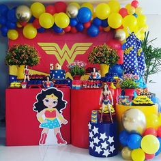 Festa Mulher Maravilha: tutoriais e 70 ideias para fazer a sua 5th Birthday Party Ideas, Girl Birthday Themes, Birthday Decorations, Party Themes, Wonder Woman Birthday, Wonder Woman Party, Balloon Garland, Balloons, Comic Party