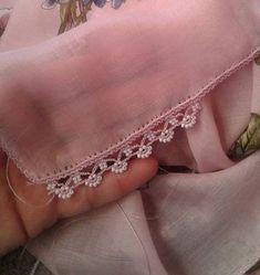 Filet Crochet, Crochet Borders, Crochet Lace, Bead Embroidery Patterns, Beaded Embroidery, Embroidery Stitches, Hand Embroidery, Crochet Designs, Crochet Patterns