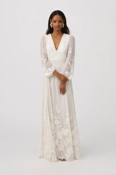 Exceptional dream wedding are offered on our site. Have a look and you wont be sorry you did. Modest Wedding, Boho Wedding Dress, Wedding Gowns, Bhldn Wedding Dress, Nontraditional Wedding Dresses, Tomboy Wedding Dress, Simple Wedding Dress With Sleeves, Casual Wedding, Elegant Wedding