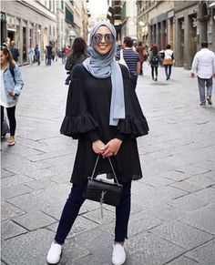 Ruffle blouse with hijab-How to wear cute hijab in Ramadan – Just Trendy Girls Islamic Fashion, Muslim Fashion, Modest Fashion, Unique Fashion, Fashion Outfits, Fashion Muslimah, Abaya Fashion, Vintage Fashion, Casual Hijab Outfit