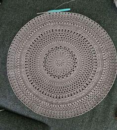 Ocean mandala Crochet Mandala, Crochet Doilies, Mini Quilts, Crochet Projects, Ocean, Stitch, Rugs, Knitting, Sewing