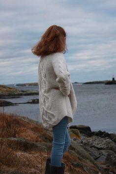 Kassiopeia jakke/Kassiopeia jacket by Solaastrikk Turtle Neck, Sweaters, Fashion, Moda, La Mode, Pullover, Sweater, Fasion, Fashion Models