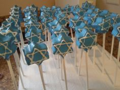 Hanukkah Cake Pops - would be easier w/rice krispie treats