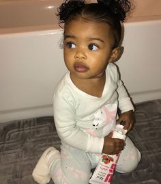 So Cute Baby, Cute Mixed Babies, Cute Black Babies, Beautiful Black Babies, Baby Kind, Pretty Baby, Beautiful Children, Little Babies, Cute Kids