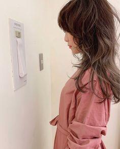 かっこいいも可愛いも叶う♡マッシュウルフでトレンド女子に挑戦!|【HAIR】 Medium Hair Cuts, Short Hair Cuts, Medium Hair Styles, Long Hair Styles, Japanese Perm, Hair Inspo, Hair Inspiration, Hair Arrange, Hair Color And Cut
