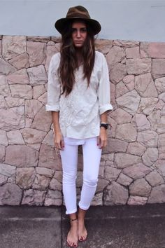 Gala Gonzalez from 'Amlul', wearing lilac skinnies with cool tunic top and amazing hat! Gala Gonzalez, Look Fashion, Autumn Fashion, Fashion Outfits, Short Beach Dresses, Latest Fashion For Women, Womens Fashion, Inspiration Mode, Fashion Inspiration