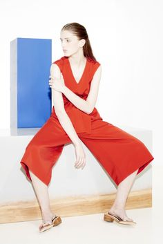 See all the Collection photos from Tibi Spring/Summer 2016 Ready-To-Wear now on British Vogue Fashion Show, Fashion Outfits, Fashion Design, Uk Fashion, Fashion Spring, Fashion History, Colette, Vogue, Catwalks