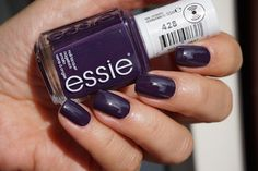Essie Maki Me Happy fall collection nagellak 428 Kimino-over nail polish