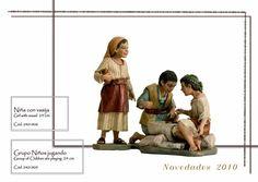 NIÑA CON VASIJA y NIÑOS JUGANDO. Figuras de belén/pesebre, de pasta cerámica policromada, de 24 cm. Autor José Luis Mayo Lebrija. Novedad 2010.