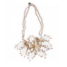 Perla Figaro - Short Design Chain Pearl Shell Flower Necklace