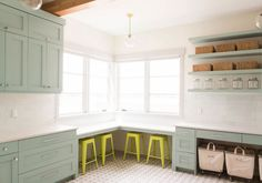 29 Magnificent Mudroom Ideas to Enhance Your Home