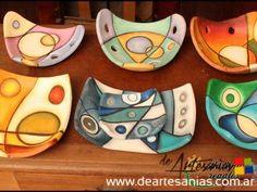 cuencos en pasta piedra - Ask.com Image Search Ceramics Projects, Clay Projects, Clay Crafts, Pottery Painting, Ceramic Painting, Ceramic Art, Painted Ceramics, Ceramic Plates, Pottery Plates