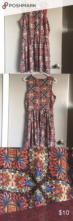 ❤️ 2 for $14 ❤️ Maison Jules Pretty sleeveless dress in warm toned. Very good condition. Maison Jules Dresses