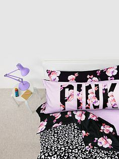 Quilty pleasure: the Reversible Comforter from Victoria& Secret PINK. PINK your pad with fun bedding and dorm accessories in super-cute prints and graphics. Pink Comforter, Queen Comforter Sets, Bedding Sets, Dorm Bedding, Floral Bedding, Dream Rooms, Dream Bedroom, Dorm Accessories, Room Goals