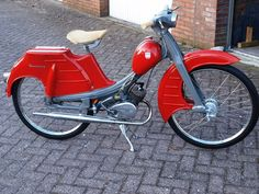 NSU Quickly L red Vintage Moped, Small Motorcycles, Trike Bicycle, Electric Tricycle, Vespa Scooters, 50cc, Mini Bike, Classic Bikes, Motorbikes