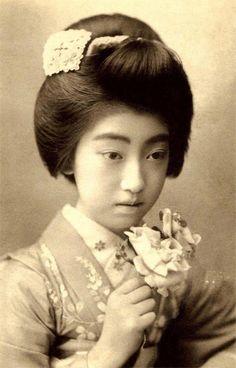 Geisha Teruha. Meiji-era.