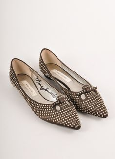 There are only 200 of these Limited Edition mouse flats! Right shoe is hand signed by Marc Jacobs! – Luxury Garage Sale