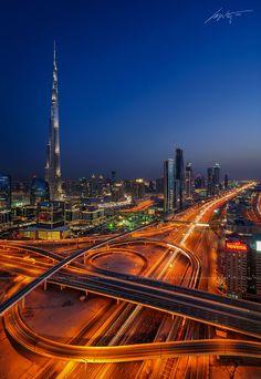 -the-interchange-Burj-Khalifa,-Dubai,