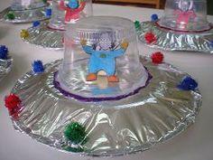 παιχνιδοκαμώματα στου νηπ/γειου τα δρώμενα: διαστημο-περιπέτειες !! Creation Preschool Craft, Space Preschool, Space Activities, Craft Activities, Preschool Crafts, Space Crafts For Kids, Diy For Kids, Outer Space Crafts, Space Classroom