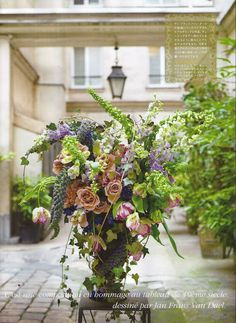 French wild #CatherineMuller Blossom Flower, Color Mixing, Floral Arrangements, Floral Design, Floral Wreath, Wreaths, Rustic, Florals, Plants