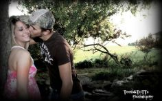 Couple portraits in the stockyards. Country chic photography by Samantha Hamilton