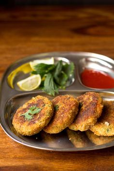 Prawn Cutlet Recipe - prepared with prawn or shrimp, boiled potatoes, spices, herb's and breadcrumbs. This is a delicious finger food. Indian Prawn Recipes, Goan Recipes, Fried Fish Recipes, Seafood Recipes, Vegetarian Recipes, Snack Recipes, Dessert Recipes, Potato Chop Recipe, Fish Snacks