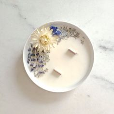 Bougie Fleurie Lavande Organic Cocoon Bougie Vegan Bougie Bio Made In France Homemade Scented Candles, Homemade Gifts, Best Smelling Candles, Gel Candles, Diy Crafts For Teens, Scented Sachets, Candle Magic, Deco Design, Dried Flowers