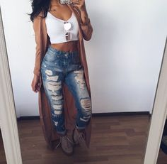 45 Lovely Outfit Ideas That Are Perfect For Everyone trendy outfit idea crop top + rips Trendy Outfits, Winter Outfits, Summer Outfits, Cute Outfits, Fashion Outfits, Womens Fashion, 90s Fashion, Daily Fashion, Looks Chic