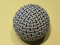 globe knot --by Michel Since