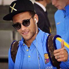 Sidney Paris wearing Police sunglasses- performance quality paired with lifestyl Police Sunglasses, Mens Sunglasses, Fcb Barcelona, Police Life, Good Soccer Players, Football Love, Neymar Jr, Best Player, Beautiful Eyes