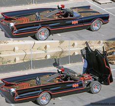The ultimate resource on George Barris' Batmobile from the 1966 TV show, 'Batman' starring Adam West and Burt Ward. Originally the 1955 Lincoln Futura. Batman Batmobile, Batman 1966, Im Batman, Batman Stuff, Superman, Batman Tv Show, Batman Tv Series, The Lone Ranger, Amazing Cars