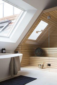 A sauna for a spa bathroom Home Spa Room, Spa Rooms, Loft Bathroom, Bathroom Interior, Design Sauna, Sauna Hammam, Small Loft, Scandinavian Bathroom, Basement Bedrooms