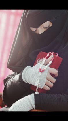 Guide of life. Hijabi Girl, Girl Hijab, Niqab Fashion, Muslim Fashion, Muslim Girls, Muslim Women, Muslim Couples, Hijab Dress, Hijab Outfit