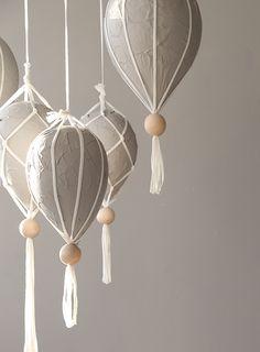 DIY: Luftballonger av papier maché och makramé