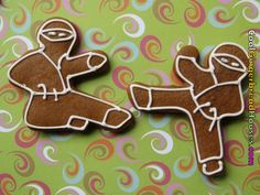 "for karate Christmas party - introducing ""ninjabread men!""      Google Image Result for http://www.thedistractionnetwork.com/images/cool-gingerbread-houses-089.jpg"