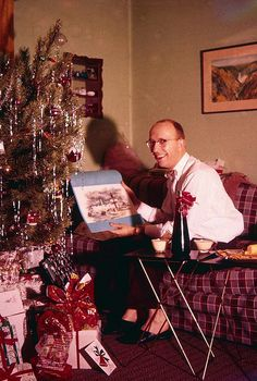 42 Humorous Vintage Snaps That Capture Men Posing Next to Their Christmas Trees in the Mid-Century Vintage Christmas Photos, Xmas Photos, Retro Christmas, Vintage Holiday, Christmas Pictures, Family Christmas, Christmas Holidays, Christmas Decorations, Christmas Trees
