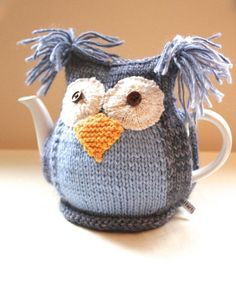 Owl Tea Cosy - CLYDE - in Merino Wool, Cashmere and Alpaca mix - by Tafferty… Tea Cosy Knitting Pattern, Knitting Patterns Free, Crochet Patterns, Scarf Patterns, Free Knitting, Free Pattern, Crochet Home, Knit Or Crochet, Hand Crochet