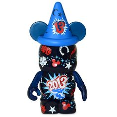Even though Mickey's famous Sorcerer Hat features the number you'll enjoy a good spell of luck in the New Year with this Vinylmation 2013 Figure which is covered in lucky icons, including a horseshoe and four-leaf clover. Walt Disney Land, Disney Pop, Disney Magic, Disney Parks, Disney Stuff, Disney Honeymoon, Disney Vacations, Disney Trips, Disney World Characters