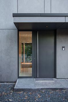 Modern Entrance Door, Modern Front Door, Front Door Entrance, Front Door Design, House Entrance, Entry Doors, Casa Kardashian, Deco House, Contemporary Front Doors