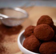 SUKKERFRIE HAVREKULER Cookies, Desserts, Food, Tailgate Desserts, Biscuits, Deserts, Essen, Dessert, Cookie Recipes