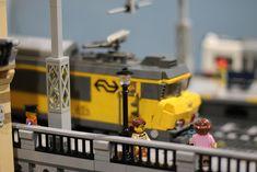 Toys For Boys, Boy Toys, Lego Train Station, Lego City, Lego Trains, Lego Construction, Film Strip, Train Layouts, Cool Lego