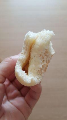 모찌빵 만들기/순우유크림빵 만들기 : 네이버 블로그 Honeydew, Bread, Fruit, Food, Brot, Essen, Baking, Meals, Breads